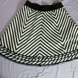 🍦 WHBM Circular mini skirt